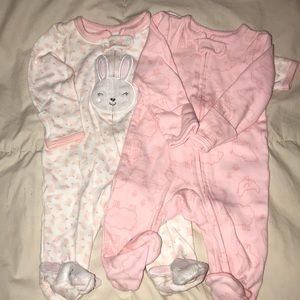 Carter's onesies set of 2